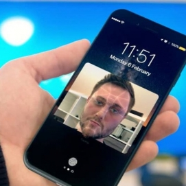 Image Apple Beli Startup Facial Scanner?