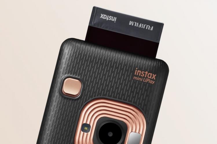 image Instax Mini LiPlay, Kamera Instan Digital Fujifilm yang Bisa Rekam Suara