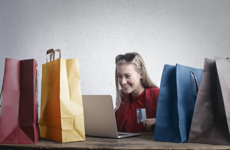 Image Improve Customer Loyalty With The Right E-Commerce Web Design